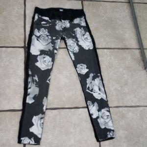 Hudson Collin Vince Versa Skinny Rose Jeans 27